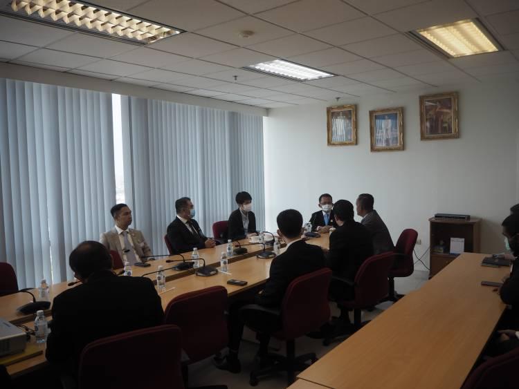 รัฐมนตรีว่าการกระทรวงยุติธรรมหารือแนวทางให้ความช่วยเหลือกองทุนหมู่บ้านและชุมชนเมือง
